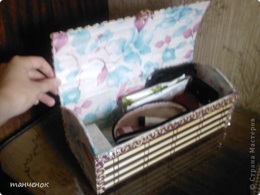 мои первые шкатулочки. Для первых двух мне повезло найти очень красивые салфетки, и поэтому внутреннюю сторону дополнительно не обрабатывала. Я их делала в подарок своим подругам.   фото 16