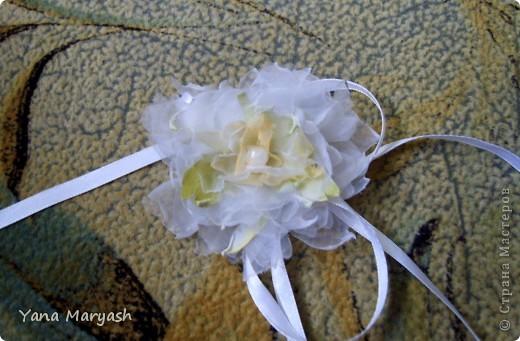 Блуждая просторами интернета я наткнулась на МК по изготовлению цветка из ткани, там была брошь, но я решила сделать себе вот такую нарядную повязочку. Тем более что повязки сейчас в моде.=) фото 2