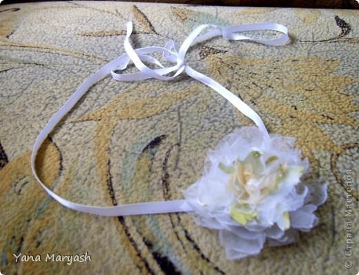 Блуждая просторами интернета я наткнулась на МК по изготовлению цветка из ткани, там была брошь, но я решила сделать себе вот такую нарядную повязочку. Тем более что повязки сейчас в моде.=) фото 3