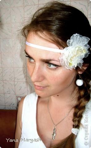 Блуждая просторами интернета я наткнулась на МК по изготовлению цветка из ткани, там была брошь, но я решила сделать себе вот такую нарядную повязочку. Тем более что повязки сейчас в моде.=) фото 1