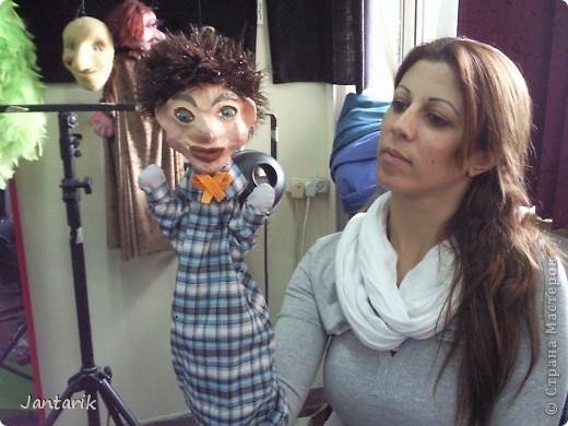 В этом году я учусь на курсе по созданию кукол и работы с ними,а так как я работаю с детьми,то мне это очень пригождается в работе. Мои куклы вы могли видеть в блоге,но мне захотелоось поделиться с вами о том,как проходила учёба,какие куклы были сделаны во время учёбы(не мной). Итак,вот так мы начинали делать кукол из папье-маше.Сначала из пластилина... фото 5