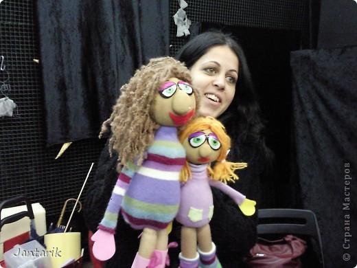 В этом году я учусь на курсе по созданию кукол и работы с ними,а так как я работаю с детьми,то мне это очень пригождается в работе. Мои куклы вы могли видеть в блоге,но мне захотелоось поделиться с вами о том,как проходила учёба,какие куклы были сделаны во время учёбы(не мной). Итак,вот так мы начинали делать кукол из папье-маше.Сначала из пластилина... фото 11