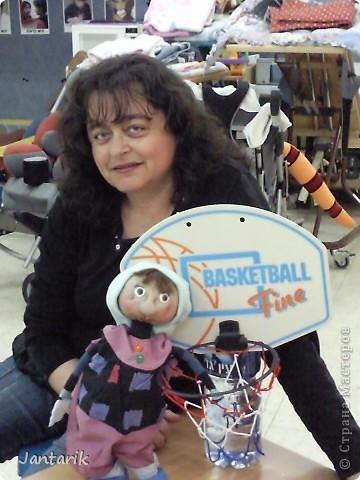 В этом году я учусь на курсе по созданию кукол и работы с ними,а так как я работаю с детьми,то мне это очень пригождается в работе. Мои куклы вы могли видеть в блоге,но мне захотелоось поделиться с вами о том,как проходила учёба,какие куклы были сделаны во время учёбы(не мной). Итак,вот так мы начинали делать кукол из папье-маше.Сначала из пластилина... фото 22