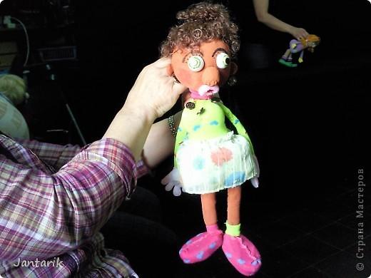 В этом году я учусь на курсе по созданию кукол и работы с ними,а так как я работаю с детьми,то мне это очень пригождается в работе. Мои куклы вы могли видеть в блоге,но мне захотелоось поделиться с вами о том,как проходила учёба,какие куклы были сделаны во время учёбы(не мной). Итак,вот так мы начинали делать кукол из папье-маше.Сначала из пластилина... фото 10