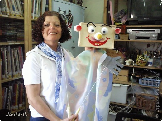 В этом году я учусь на курсе по созданию кукол и работы с ними,а так как я работаю с детьми,то мне это очень пригождается в работе. Мои куклы вы могли видеть в блоге,но мне захотелоось поделиться с вами о том,как проходила учёба,какие куклы были сделаны во время учёбы(не мной). Итак,вот так мы начинали делать кукол из папье-маше.Сначала из пластилина... фото 16
