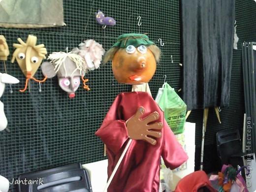 В этом году я учусь на курсе по созданию кукол и работы с ними,а так как я работаю с детьми,то мне это очень пригождается в работе. Мои куклы вы могли видеть в блоге,но мне захотелоось поделиться с вами о том,как проходила учёба,какие куклы были сделаны во время учёбы(не мной). Итак,вот так мы начинали делать кукол из папье-маше.Сначала из пластилина... фото 12