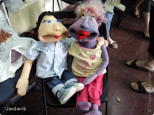 В этом году я учусь на курсе по созданию кукол и работы с ними,а так как я работаю с детьми,то мне это очень пригождается в работе. Мои куклы вы могли видеть в блоге,но мне захотелоось поделиться с вами о том,как проходила учёба,какие куклы были сделаны во время учёбы(не мной). Итак,вот так мы начинали делать кукол из папье-маше.Сначала из пластилина... фото 17