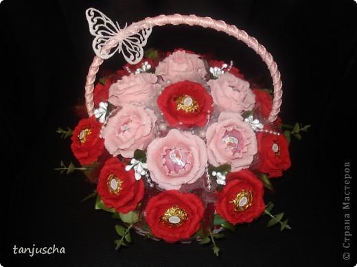 Очередная корзиночка. На этой неделе училась делать розы. Результатом довольна. Хотя с розами работы больше . фото 6