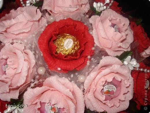 Очередная корзиночка. На этой неделе училась делать розы. Результатом довольна. Хотя с розами работы больше . фото 7