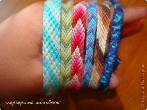 Вот такие фенечки я сделала благодаря этому сайту: http://fene4ki.ru/vechnaja-klassika.html фото 2
