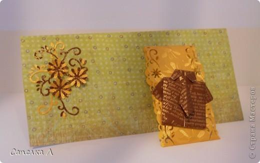 Компостером pop-up сделала  цветы формы маргаритка, а маленькие цветы-срединки  и завитушки компостером края. фото 2