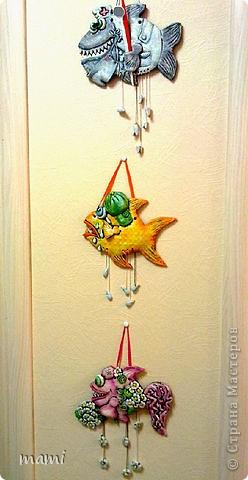 Всем привет, этих рыбок делала для клиники в которой работаю, нашла свободную стеночку и решила её заполнить, впрочем никто против не был))) Эта рыбка была сделана по работе  http://stranamasterov.ru/node/110197 фото 10