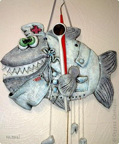 Всем привет, этих рыбок делала для клиники в которой работаю, нашла свободную стеночку и решила её заполнить, впрочем никто против не был))) Эта рыбка была сделана по работе  http://stranamasterov.ru/node/110197 фото 1