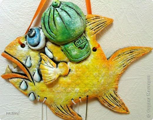 Всем привет, этих рыбок делала для клиники в которой работаю, нашла свободную стеночку и решила её заполнить, впрочем никто против не был))) Эта рыбка была сделана по работе  http://stranamasterov.ru/node/110197 фото 3