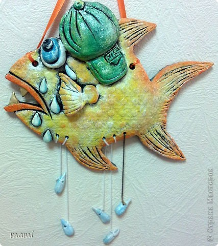 Всем привет, этих рыбок делала для клиники в которой работаю, нашла свободную стеночку и решила её заполнить, впрочем никто против не был))) Эта рыбка была сделана по работе  http://stranamasterov.ru/node/110197 фото 4