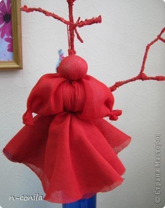 Демьяночка Кукла срочно выполнялась для выставки.Почему 2 -это вторая кукла с таким именем.Голубой цвет - вода. Рядом озера Селигер и Велье. Ромашковые поля. Много яблок и грибов. фото 2