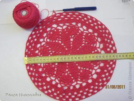 Берет украшен лентой и розочкой. фото 5
