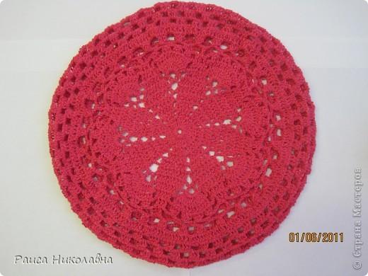 Берет украшен лентой и розочкой. фото 6
