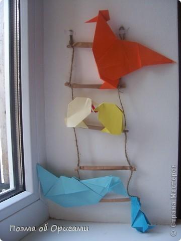 Птичий двор был излюбленной темой в живописи начала ХХ века. В начале ХХI-го века до него добралось и оригами. Все фигурки складываются очень просто и под силу даже маленьким деткам. фото 70