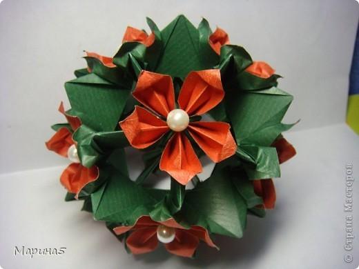 Кусудамы с книги Tomoko Fuse - Floral Globe. Обожаю собирать эти кусудамы. Очень легкие и приятные в сборке. Сборка без клея. Модули 8 на 4 см. Кусудама примерно 8-9 см.  фото 11