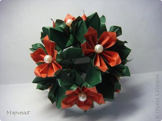 Кусудамы с книги Tomoko Fuse - Floral Globe. Обожаю собирать эти кусудамы. Очень легкие и приятные в сборке. Сборка без клея. Модули 8 на 4 см. Кусудама примерно 8-9 см.  фото 12
