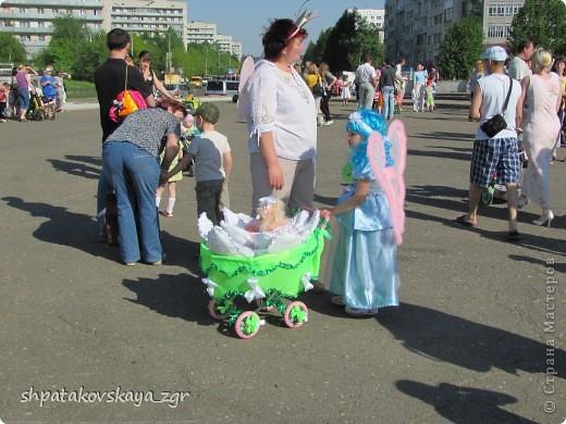 Наша дочка в своей чудо-коляске. фото 3