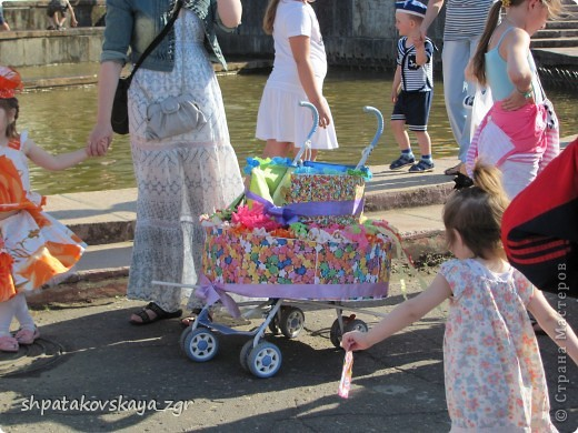 Наша дочка в своей чудо-коляске. фото 4