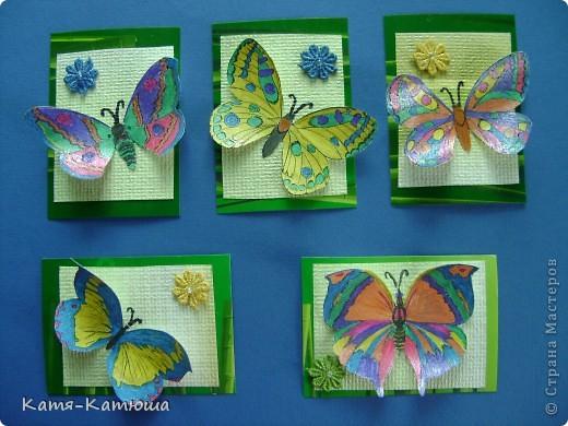 Бабочки раскрашены гелевыми ручками с блёстками. Поэтому не получается сфотографировать хорошо. фото 1
