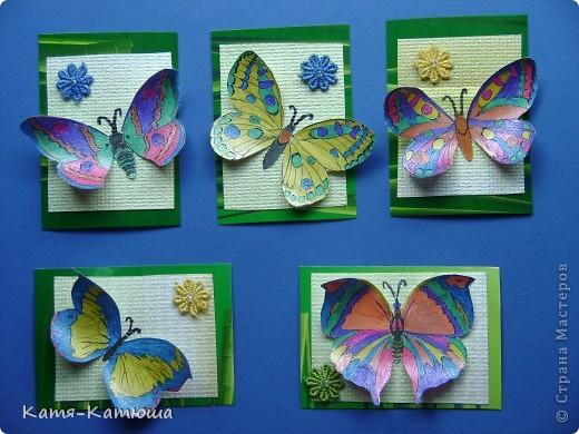 Бабочки раскрашены гелевыми ручками с блёстками. Поэтому не получается сфотографировать хорошо. фото 2