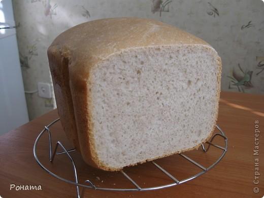 """В прошлом году через некоторое время после покупки хлебопечки возник вопрос: а как испечь хлеб без дрожжей? Был """"перерыт"""" весь интернет, и я начала """"выращивать"""" ржаную закваску. Вот такой ржаной хлебушек получился: фото 4"""