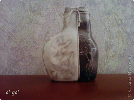 Это из моего чёрно-белого периода. Попала в руки прикольная бутылочка, долго думала и вот... Рисунки взяты вот отсюда: http://arts.in.ua/artists/Milena/f/4093/ фото 1