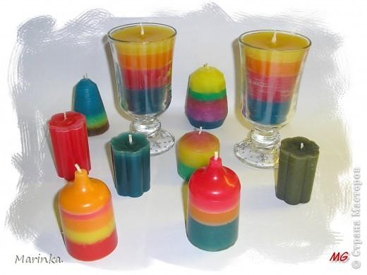 А вот и мои свечки. Использовала обычные хозяйственные, красила восковыми мелками, а формочка - стаканчик от ватных палочек. фото 6