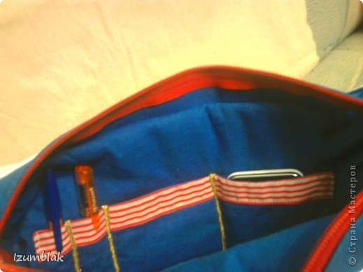 """Прошлым летом безуспешно пыталась купить сумку в """"морском стиле"""". Критериев было всего 2: бело - синяя гамма и что бы помещалась папка с документами формата А-4.  Так и не найдя ничего подходящего, решила сшить сама. Вот эта сумка моей мечты.  фото 4"""