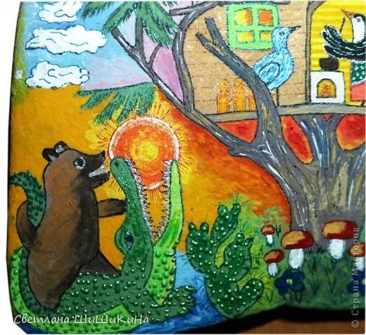 Люблю деток очень-очень... Как увижу что-то красивое и детское, так сразу же и хочется деткам в наш садик сделать. Есть такая замечательная художница Оксана Заика. Вот с её - то рисунка и слизана роспись. Это не копия, но я старалась нарисовать близко к оригиналу. Надеюсь наши детки найдут тут знакомых сказочных героев. Итак, прошу любить и жаловать: Котик I - Сказочный. фото 6
