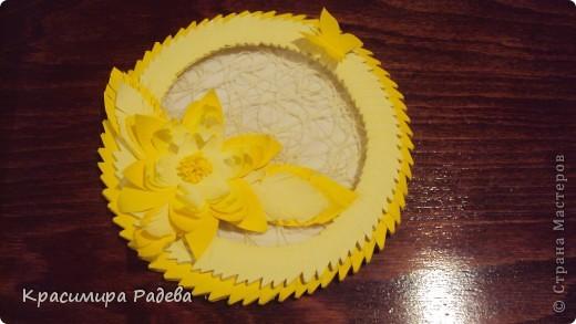 Това панно го направих за юбилея на една ат колежките ми. Ще й го подаря заедно с картичката ,която изготвих по-рано, също в жълто. фото 1