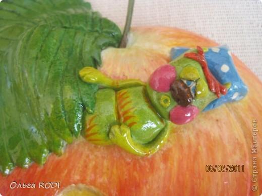 Жил-был червячок Федор. Мирно спал он под листиком - Хр-р-р-р-р-р-р..... фото 5
