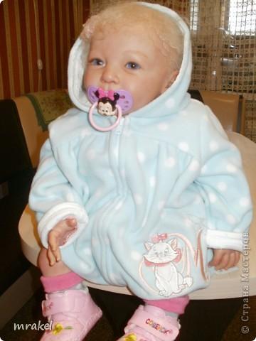 1 апреля закончила возрождать девочку Лизу. Рост её 56см., вес 2400кг. Так как это девочка, то имеется магнитная заколка на голове. фото 15