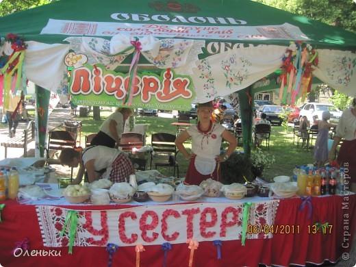 Решили в выходной съездить на экскурсию в соседний город Полтаву, да не просто а на праздник галушки! фото 3