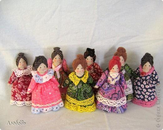 Конец учебного года и я вспомнила про модульные куколки.  Я их делаю специально в подарок девочкам, которые продержались в моём кружке целый год.  фото 1