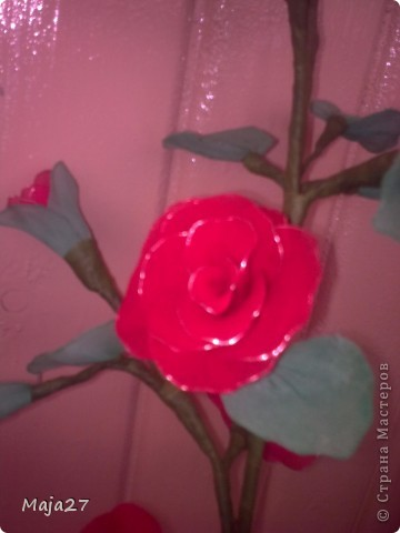 Попробовала сделать цветы из капрона. фото 5