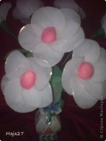 Попробовала сделать цветы из капрона. фото 3