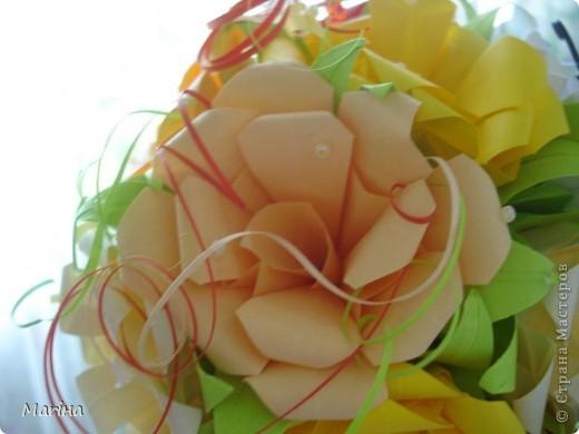 Благодаря мастерицам сайта смогла сделать кусудаму из роз в подарок своей мамочке. фото 2