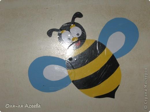Вот такие пчелы прилетели к нам на банкетки в детский сад. фото 3