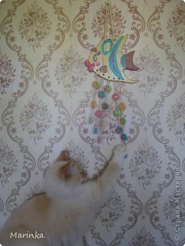 Эта Рыбка как и Ёж из детской раскраски. Первый раз попробовала раскрашивать не изделие, а тесто. Понравилось, правда при высыхании поделка стала менее яркой... фото 3