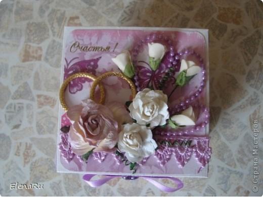 """Соседка заказала подарочную коробочку  для денег на свадьбу. Бумагу выбирала сама заказчица. Но очень ей хотелось, чтобы бабочки вылетали! Получилась миленькая коробочка-фотоальбом, двухслойная, с бабочками из разряда: """"ТАК жалко отдавать!!!"""" Вот смотрите!!! фото 2"""