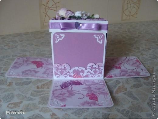 """Соседка заказала подарочную коробочку  для денег на свадьбу. Бумагу выбирала сама заказчица. Но очень ей хотелось, чтобы бабочки вылетали! Получилась миленькая коробочка-фотоальбом, двухслойная, с бабочками из разряда: """"ТАК жалко отдавать!!!"""" Вот смотрите!!! фото 5"""