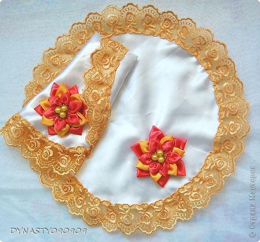 Вот такие у меня получились платочки для свечей на венчание,цвета пришлось подобрать под сами свечи,поэтому так ярко фото 1