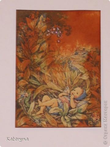 """Здравствуйте,уважаемые жители и гости """"Страны Мастеров""""!Эта серия карточек АТС посвящена творчеству так любимой мною английской художницы Сесиль Мари Баркер. Я использовала акварельную бумагу,штемпельную подушечку,силиконовые штампы,краску с металическим эффектом,половинки прозрачных капель и маленькую фишку на одной из карточек.  фото 4"""