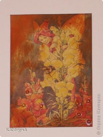 """Здравствуйте,уважаемые жители и гости """"Страны Мастеров""""!Эта серия карточек АТС посвящена творчеству так любимой мною английской художницы Сесиль Мари Баркер. Я использовала акварельную бумагу,штемпельную подушечку,силиконовые штампы,краску с металическим эффектом,половинки прозрачных капель и маленькую фишку на одной из карточек.  фото 5"""