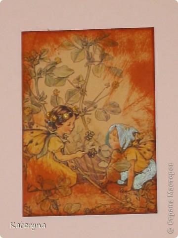 """Здравствуйте,уважаемые жители и гости """"Страны Мастеров""""!Эта серия карточек АТС посвящена творчеству так любимой мною английской художницы Сесиль Мари Баркер. Я использовала акварельную бумагу,штемпельную подушечку,силиконовые штампы,краску с металическим эффектом,половинки прозрачных капель и маленькую фишку на одной из карточек.  фото 7"""